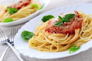 """В закладки.  Коренные жители Италии говорят:  """"Итальянская пища имеет лишь один..."""