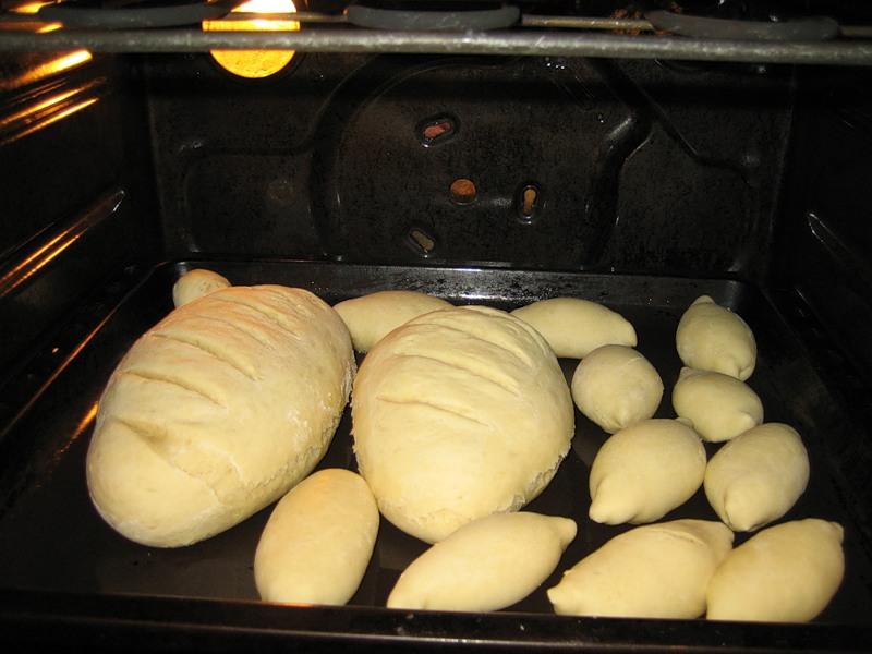 Как испечь хлеб в домашних условиях в хлебопечке